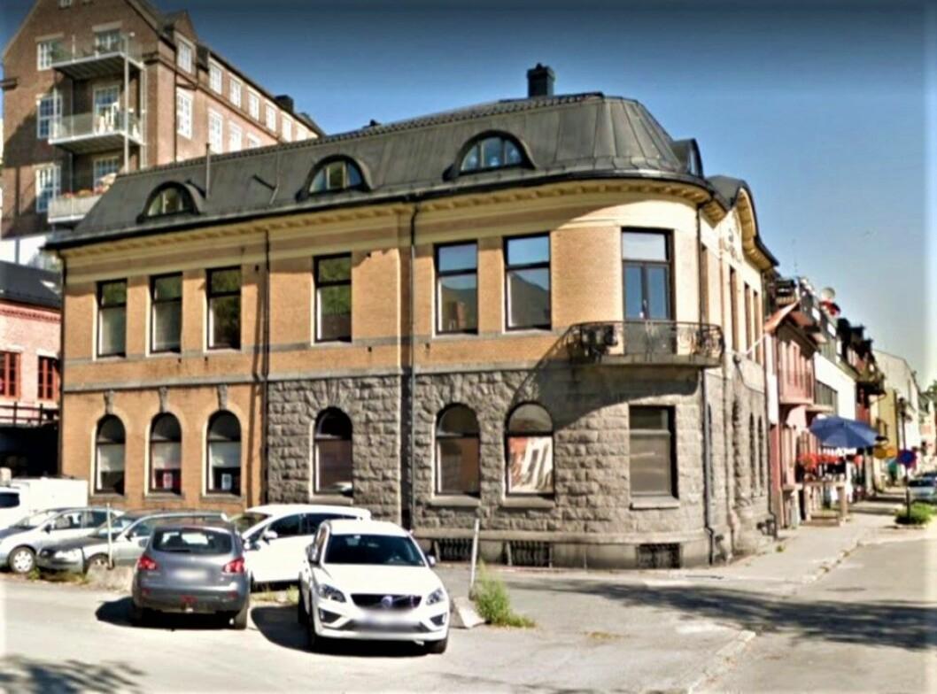 BEGJÆRT KONKURS: Kemneren har begjært eierselskapet til denne eiendommen konkurs.(Foto: Google Street View)