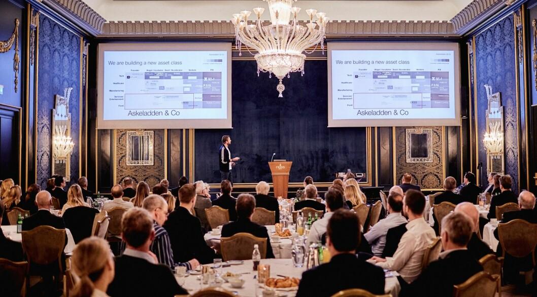FULLT HUS: 110 deltakere på Akershus Eiendoms retailseminar fulgte nøye med på presentasjonen til Askeladdens Karl-Axel Bauer. Foto: Helge Brekke.