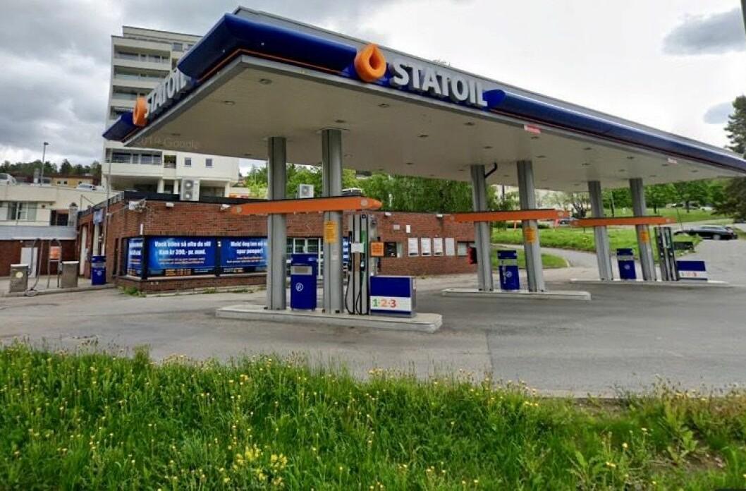 HISTORIE: På tomten var det tidligere en Statoil bensinstasjon. Foto: Google Street View
