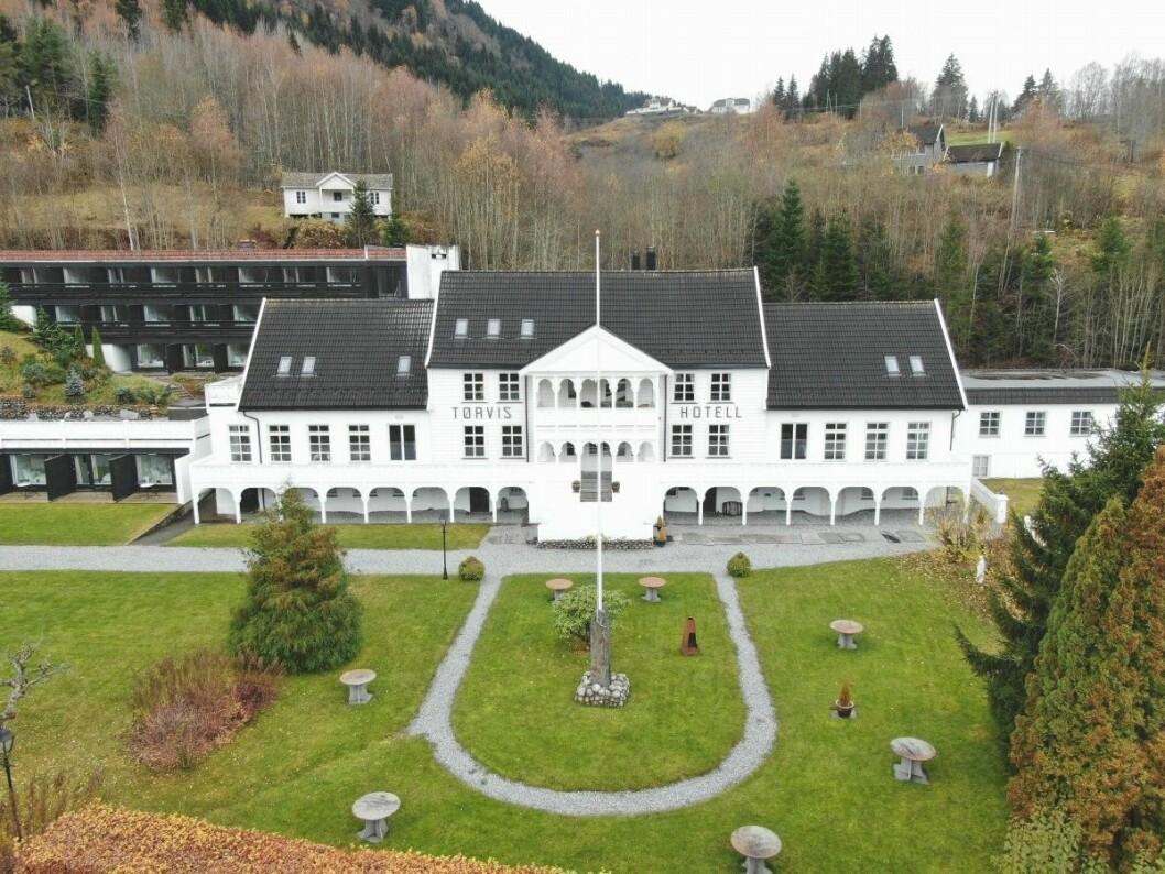 SELGES: Tørvis Hotell ligger ute til 13 millioner kroner, og er ett av mange som søker ny eier.