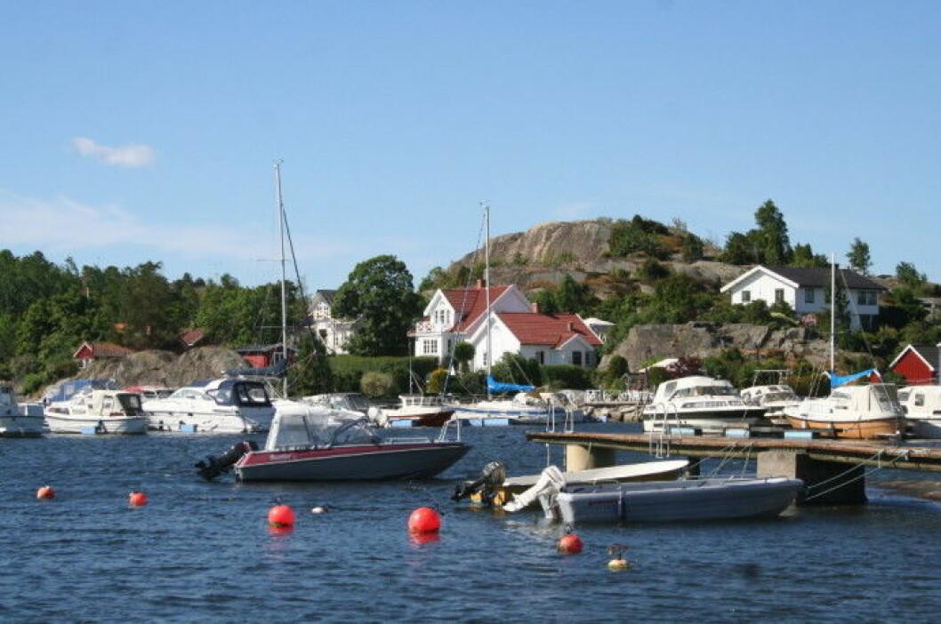 BÅTFESTE: Eiendom med grense til sjø alltid vil ha rett til båtfeste til sin egen eiendom. Men eiendomsretten i sjø er ikke som eiendomsretten på land.