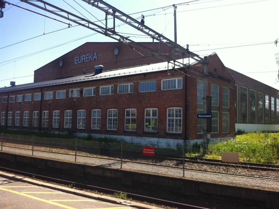 Eiendommen på Sørumsand ligger rett ved jernbanestasjonen og har en veldig bra beliggenhet for boligutvikling.