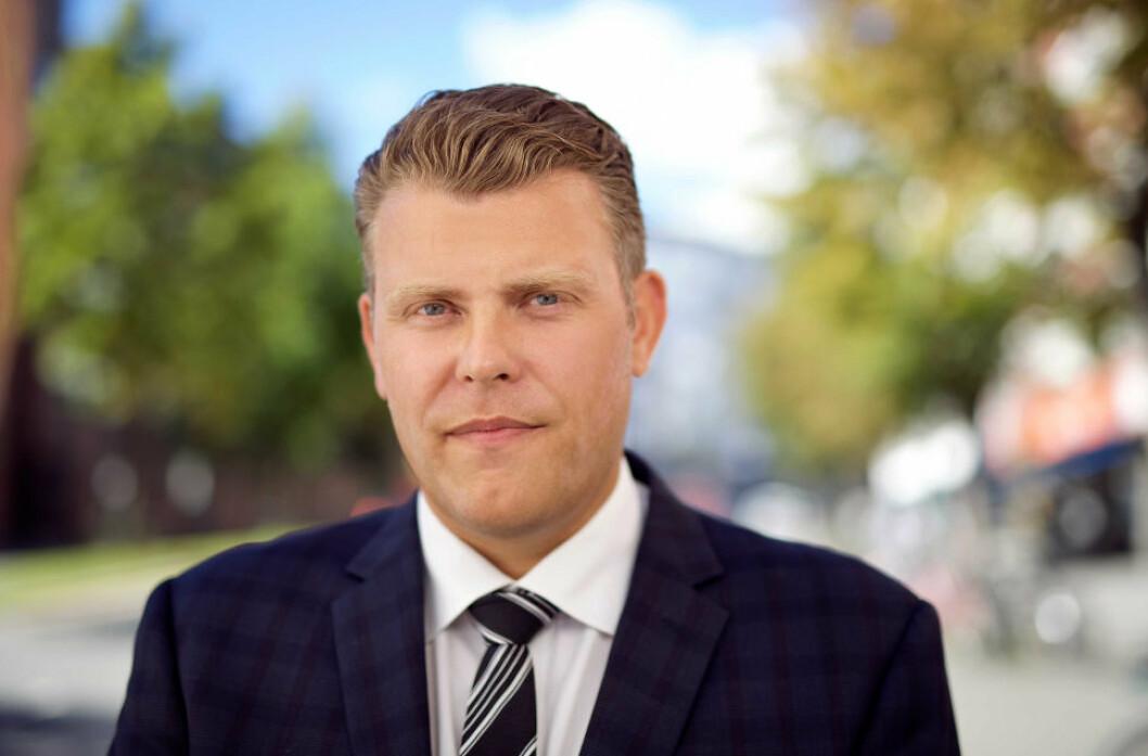 STORE KONSEKVENSER: - Fra 1. juli trer en ny lovbestemmelse i kraft, som gjør at det får ganske store konsekvenser for kommunen å bryte 12 ukers fristen i byggesaker, sier advokat Jøran Kallmyr i Advokatfirma Ræder DA.