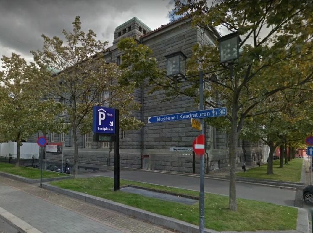 Bankplassen parkeringshus eies av nederlandske Bouwfonds Investment Management. (Foto: Google Street View)