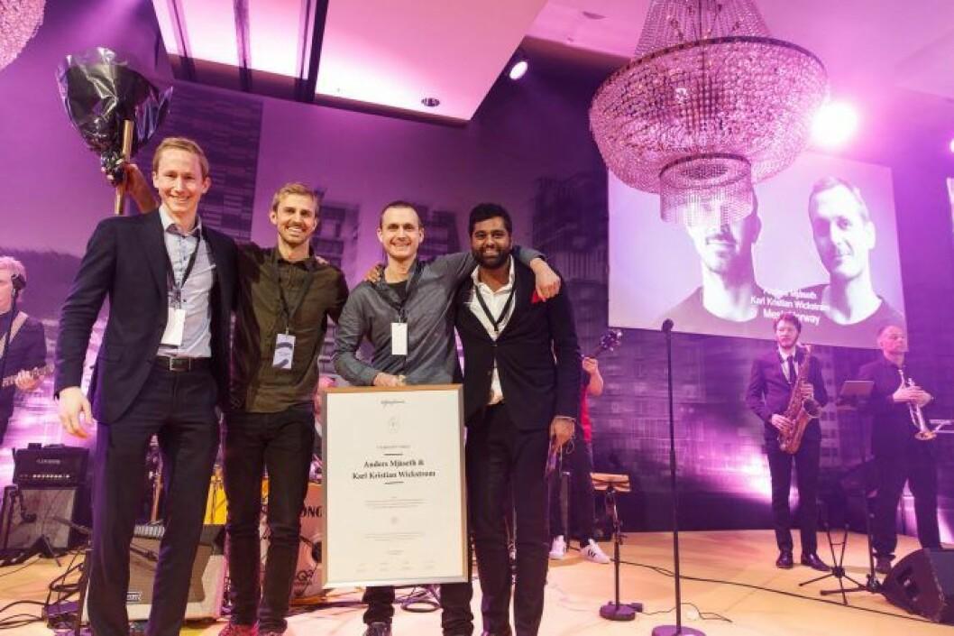 Mesh og Anders Mjåset og Karl Kristian Wickstrøm vant den første Cityglød-prisen. Her flankert av Ung i Næringseiendom Henrik Rudene Taubøll (tv) og Salman Saed (th) da prisen ble overrakt under Citykonferansen 2017. (Foto: Kilian Munch)