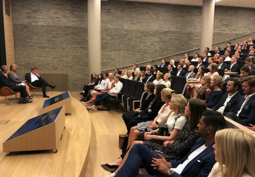 Over 200 medlemmer av Ung i Næringseiendom var på foreningens 15. treff hos DNB i Bjørvika.