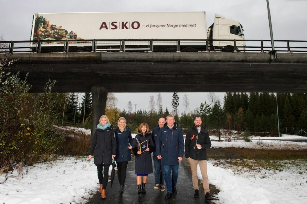 Hanne Embretsen, Helene Mork, Ann-Sire Fjerdingstad (ordfører) Anders Høstmælingen, Morten Hotvedt, Fredrik Staubo Jensen.