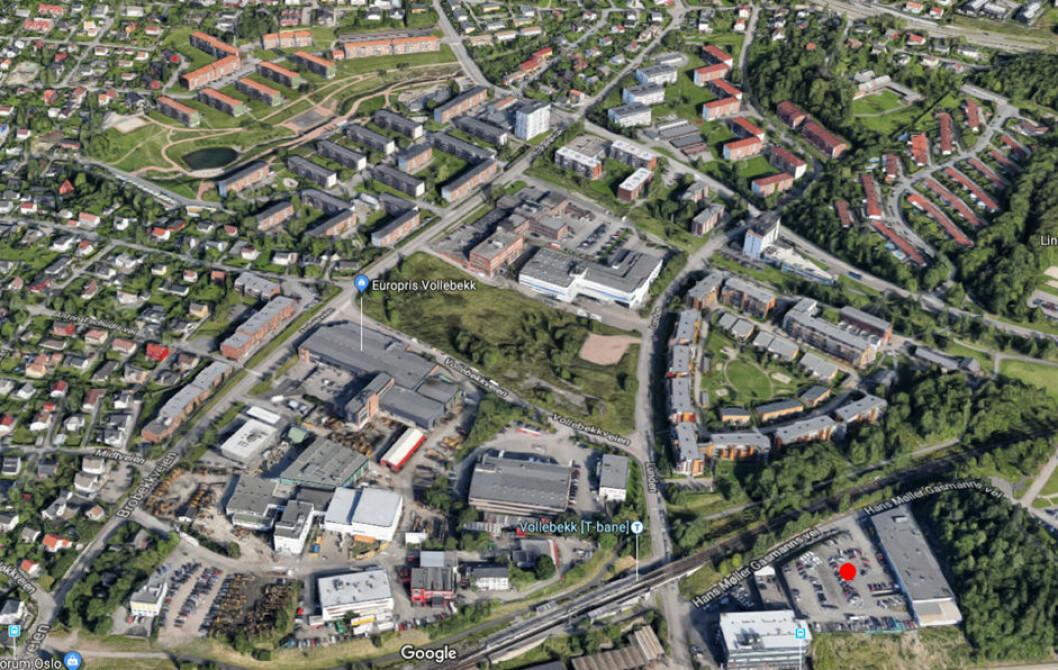 KAN GI 200 BOLIGER: Hans Møller Gasmanns vei 3, som ligger tett inntil Vollebekk T-banestasjon.(Foto: Google)