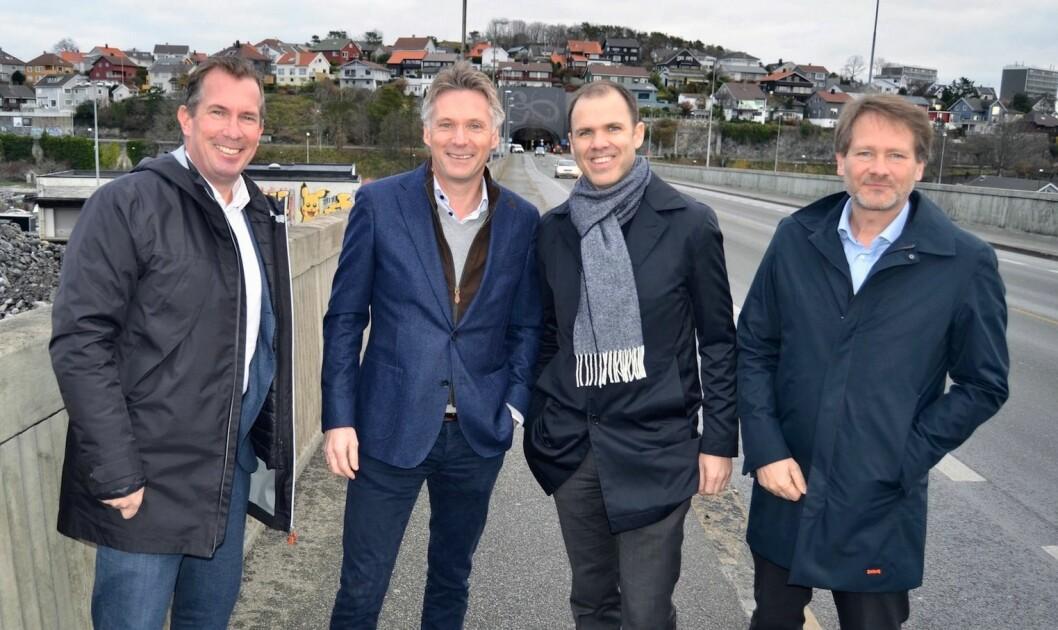 PARADIS: Nicolay Schreuder (Bane Nor Eiendom), Alfred Ydstebø (Base Gruppen), Torstein Storækre (FP Eiendom) og Anders Hannevik (Aker BP) skal utvikle en ny bydel på Paradis i Stavanger. Foto: Base Gruppen