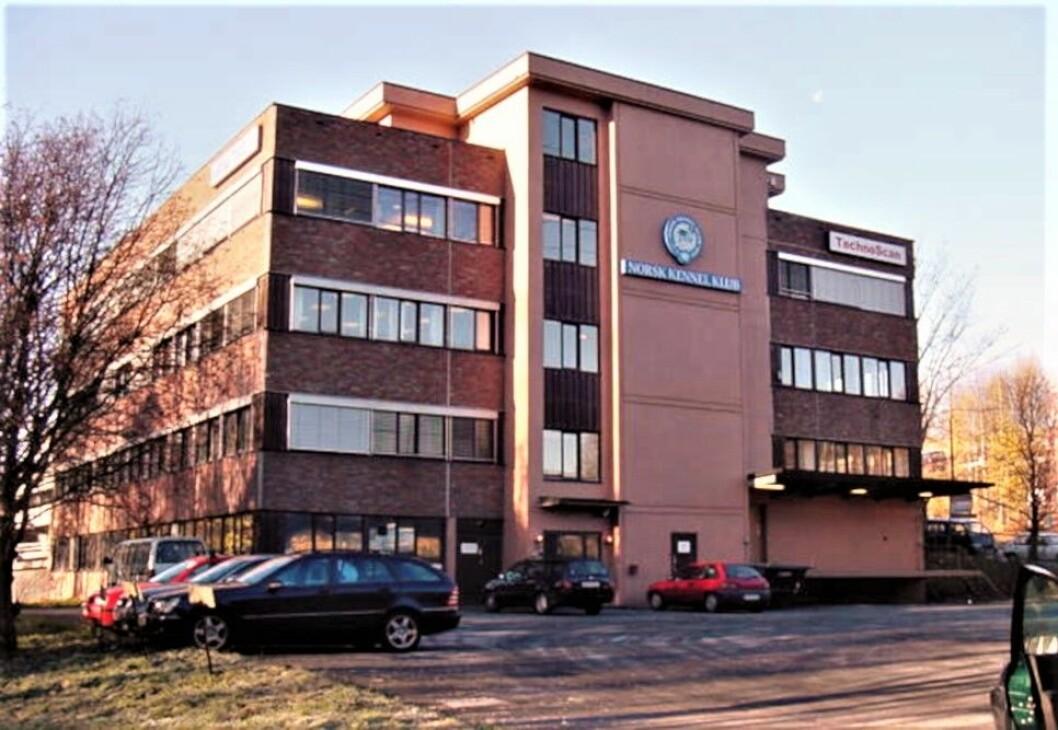 DEKNINGSSALG FOR RETTEN: Entra kjøpte denne eiendommen på Bryn på dekningssalg, etter at opprinnelig kjøper trakk seg fra avtalen. (Foto: Bryn-Helsfyr-samarbeidet)