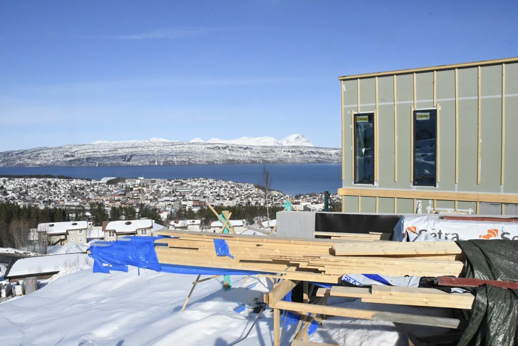 FART: Det bygges som aldri før i Finnmark spesielt, og det er dessuten god fart i de to andre fylkene i Nord-Norge. Foto: Jan Eivind Fredly, Aidem Media