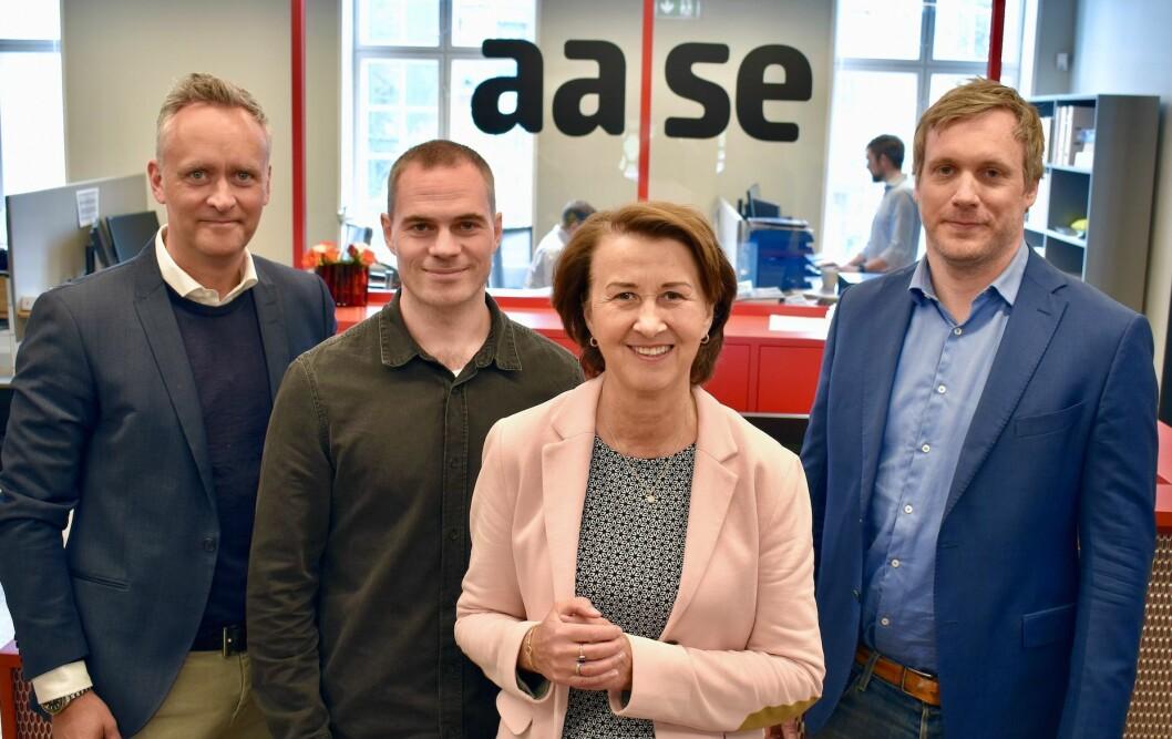NYTT: Dette er Nye Aases lederteram. F.v.  Administrerende direktør Marius Tunstad, daglig leder Trond Klavenes i Aase Utvikling, arbeidende styreleder og eier Elisabeth Aase og daglig leder Arthur Jensen i Aase Teknikk.