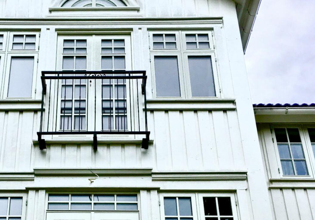 FEILET MED MALINGEN: Fasaden var nymalt, men selger hadde brukt feil maling. Kjøper ble tilkjent erstatning.(Ill. foto)