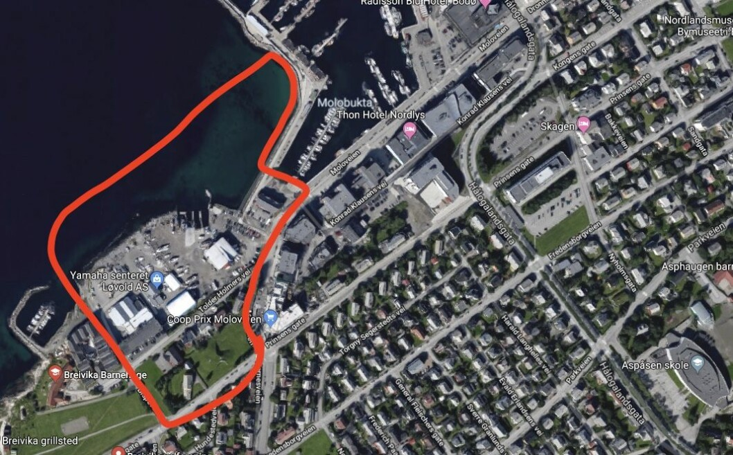 UTVIKLING: Bodø står foran mye utvikling i tiden som kommer, inkludert et område i Breivika som er markert med rødt på bildet. Foto: Google maps