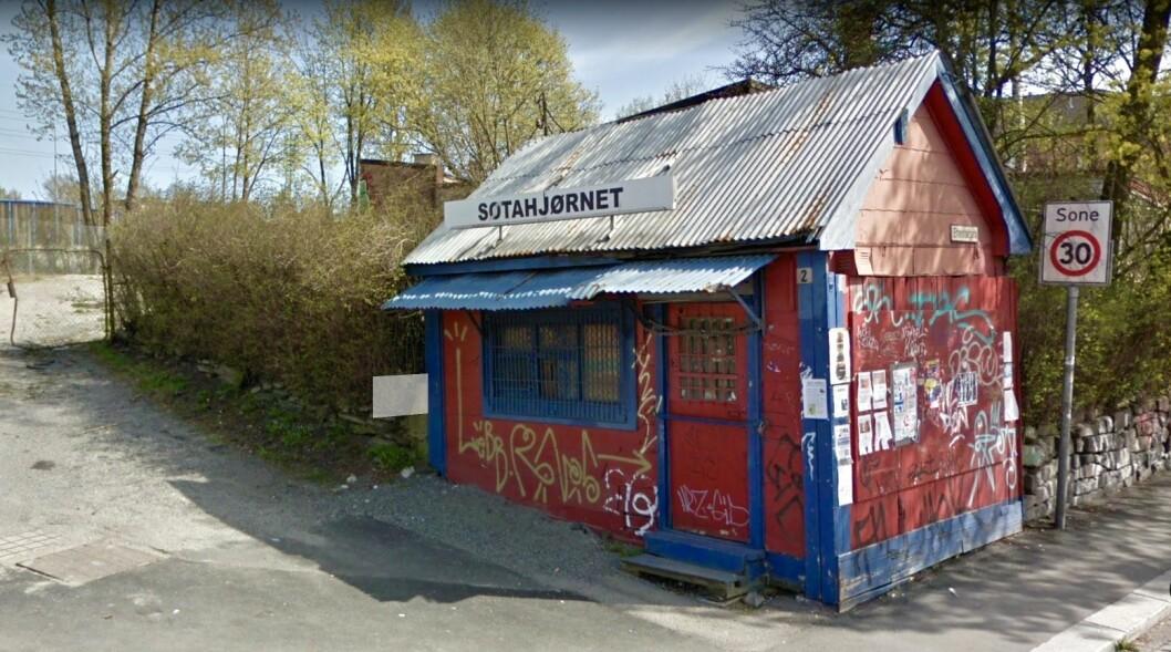 STOPP: Denne kiosken på Vålerenga kan velte OBOS´ planer om å bygge 50 leiligheter. Foto: Google Maps