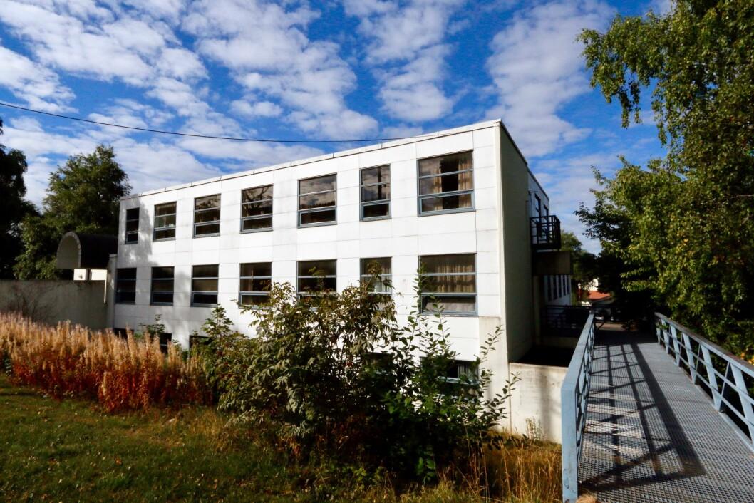 ERSTATTES: Oslo kommune skal plassere 80 omsorgsboliger i Kjelsåsveien 114-116, og det innebærer også farvel til dette næringsbygget. Foto: Boligbygg
