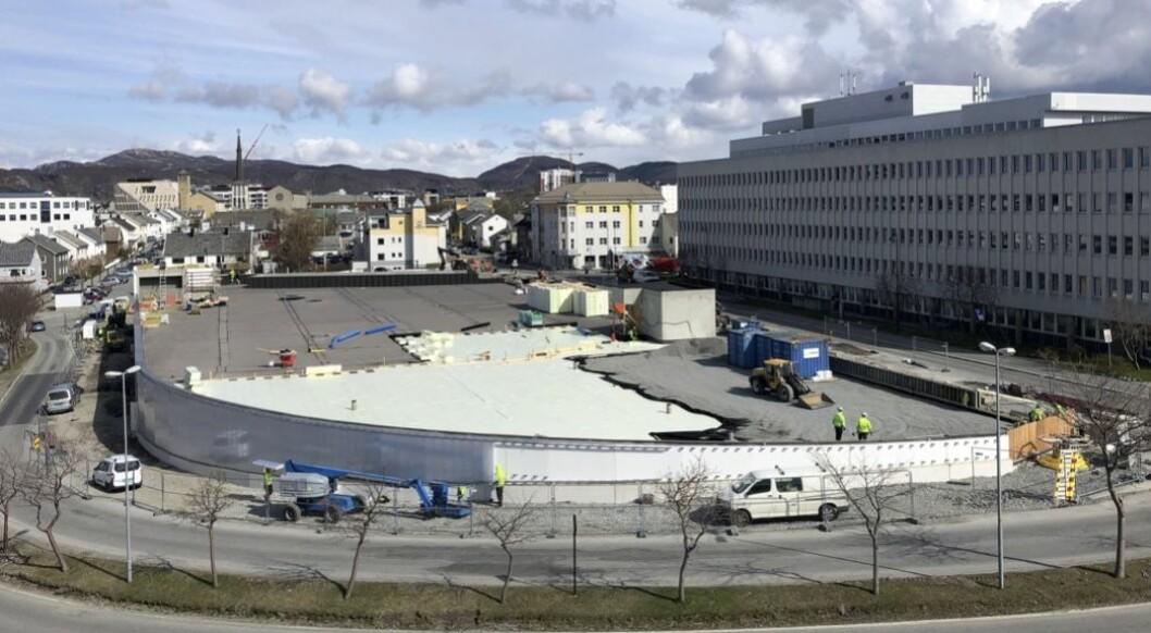 PARK: Byens kommunale parkeringshus får en fem mål stor aktivitetspark på taket. Foto: Gunvald Johansen Bygg