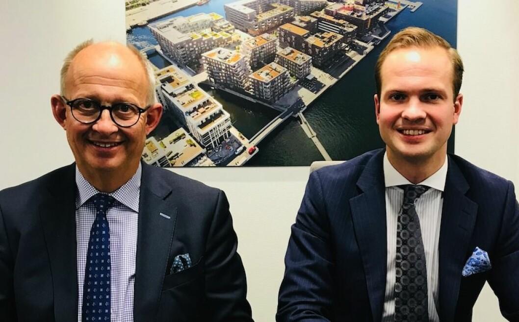 FAMILIEBEDRIFT: - Boligmarkedet er godt, sier Espen Pay (t.v.). Her sammen med sønnen Andreas Pay, som overtok som konsernsjef i Urbanium Gruppen i 2017.
