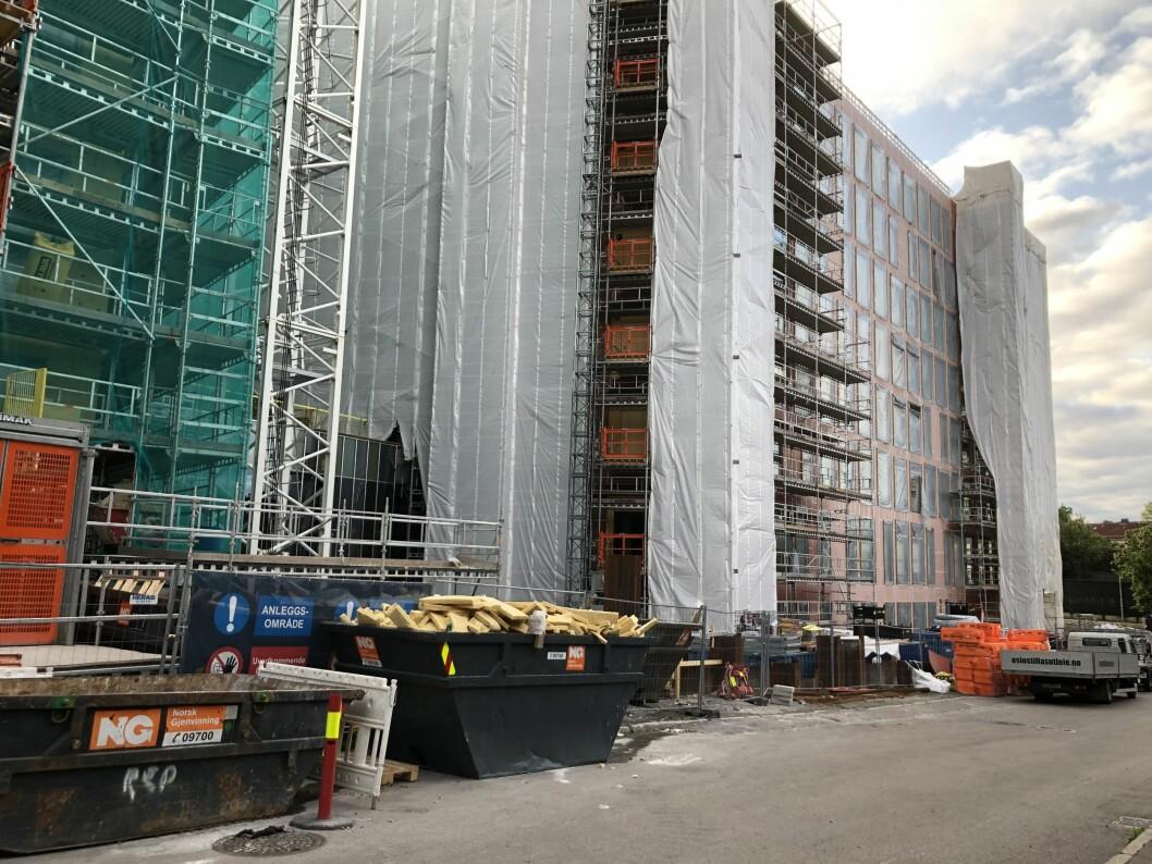 NY TID: Byggeplasser er kilder til store utslipp, men det er i ferd med å bli endret. Foto: Glen Widing
