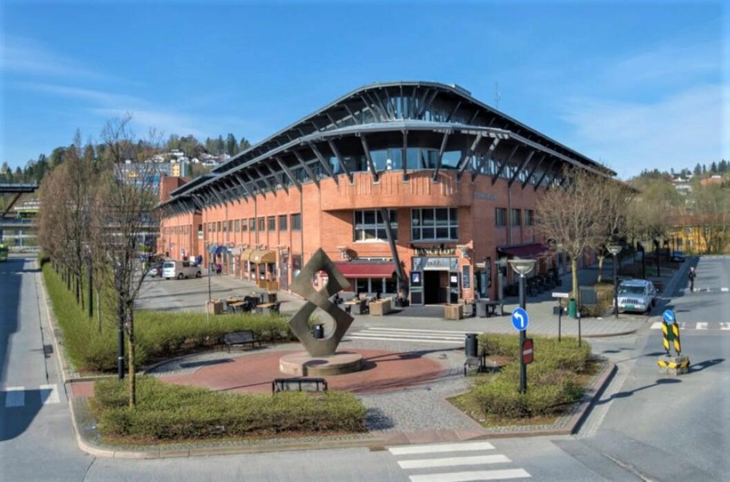 PEN GEVINST: Salget av Stasjonskvartalene i Asker ga god inntekt for Vannebo- og Varner-eide AVA Eiendom.
