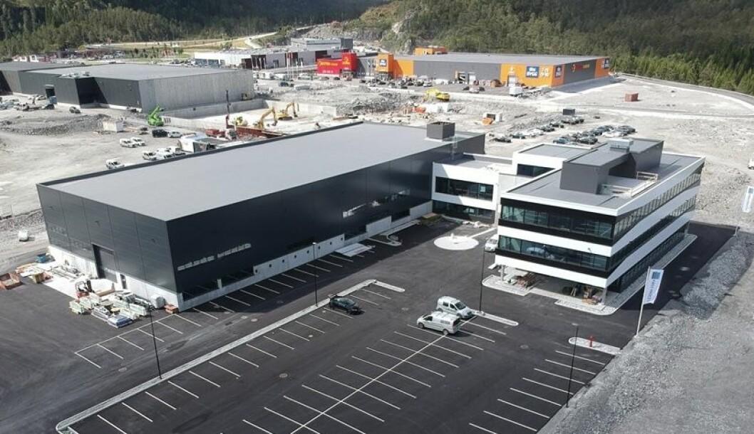 KOMBI: Dette er det nyeste bygget i Digerneset Næringspark, 4.520 kvadratmeter som MMC First Process flytter til i september. Foto: Ronny