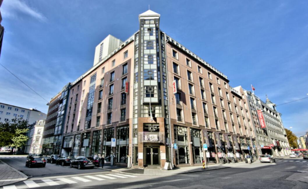 MIDT I SENTRUM: Scandic Victoria rett ved Karl Johans gate i Oslo er blant hotellene som eies av Rica Eiendom. Hotellet ble oppført i 1991 og er på 11.618 kvadratmeter. (Foto: Rica Eiendom)