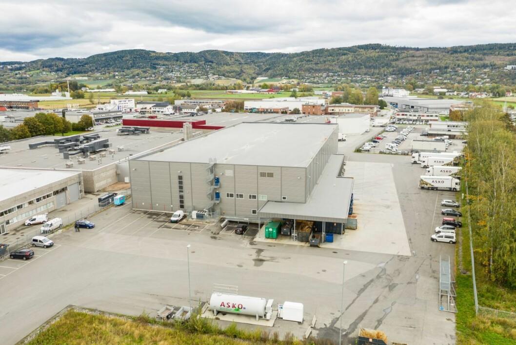 BYGGET I 2015: Ifølge Knut Holter i Eiendomssenteret er dette er en «tipp topp moderne» lagereiendom.