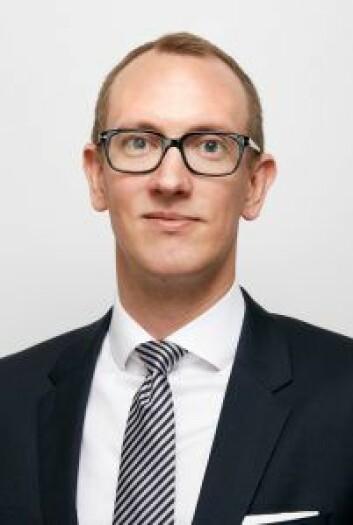 ADVOKAT: Fredrik Høyang Røsholdt.