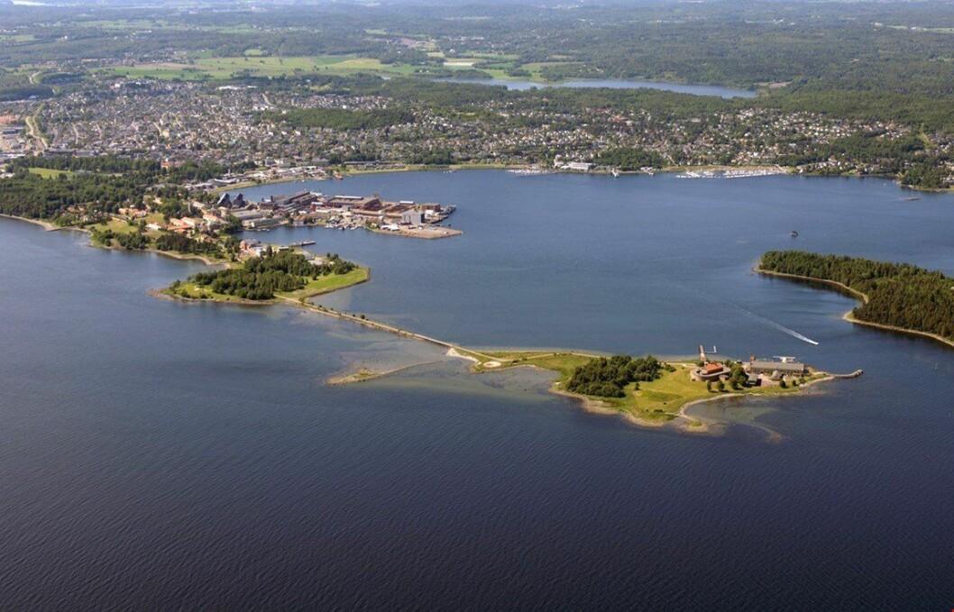 RYDDES: Horten indre havn skal nå bli ren. Foto: Horten kommune