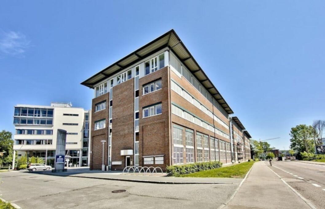 KONKURSRAS: Alle selskapene i H18-konsernet er nå konkurs. Boet har fått statlige midler for å avdekke om det foreligger straffbare forhold. Morselskapet ble begjært konkurs av House of Business, som leier ut lokaler blant annet i dette bygget i Hoffsveien 1 i Oslo.(Foto: House of Business)