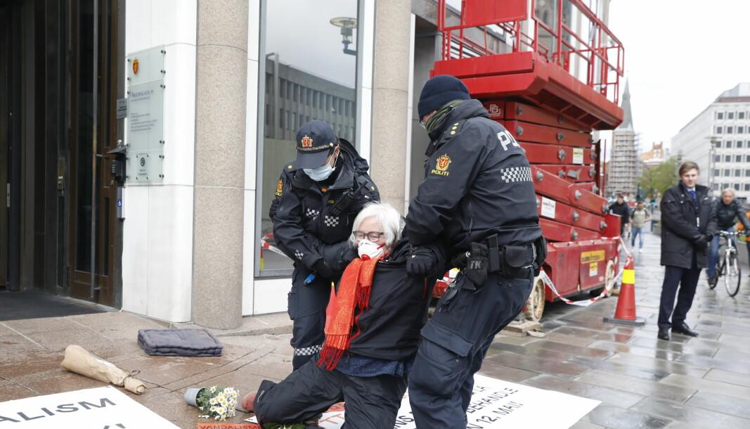 SENDT TIL GLATTCELLA: Ellen de Vibe ble arrestert da hun protesterte mot rivingen av Y-Blokka.
