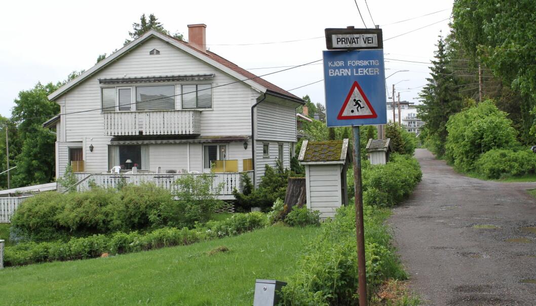 MILLIONER: Store eiendomsaktører har betalt mange titalls millioner kroner for de gamle husene i denne villaveien.