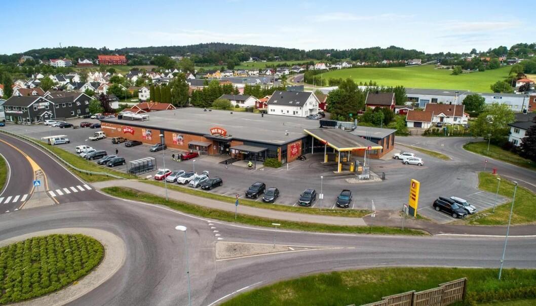SELGER: Dette butikksenteret ender i toppsjiktet i byen.