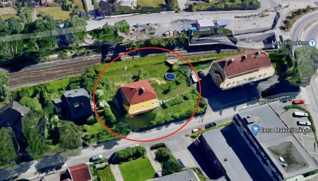 NÆR T-BANEN: Øvre Smedstadvei 1B er beliggende ved Makrellbekken T-banestasjon.