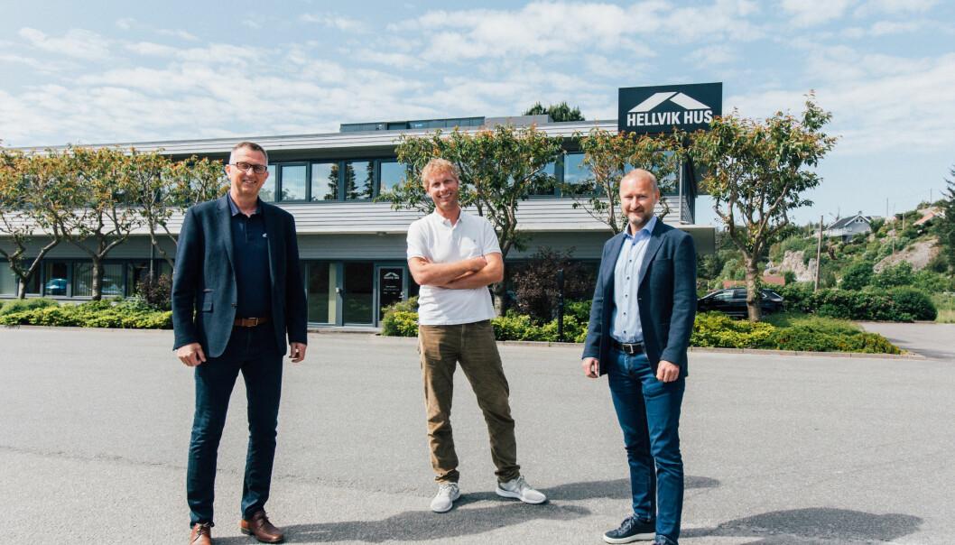 UTVIDER: Tore Vassvik, økonomisjef i Hellvik Gruppen, Svein Olav Aalgaard, daglig leder Aalgaard Bygg og Thor-Inge Thrana, adm. dir. i Hellvik Gruppen AS.