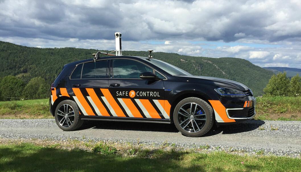 VEIBILDER: Slike biler med kameratårn på taket er med på å dokumentere norske veier og hva som er langs dem.