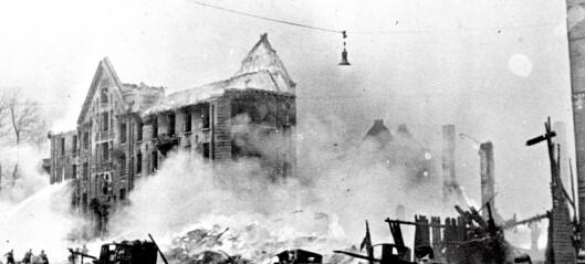 Historiske bygg: Bygningene ble blåst bort