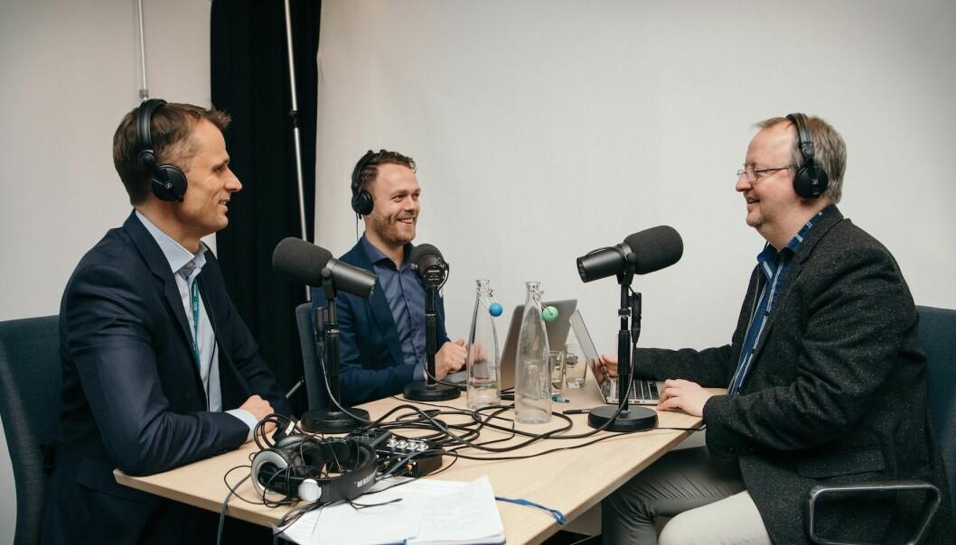 PODCAST: Thomas Ramcilovic i DNB Markets (tv), Jørn Are Skjelvan i DNB Eiendom og Dag-Jørgen Saltnes (th) i Estate Media.