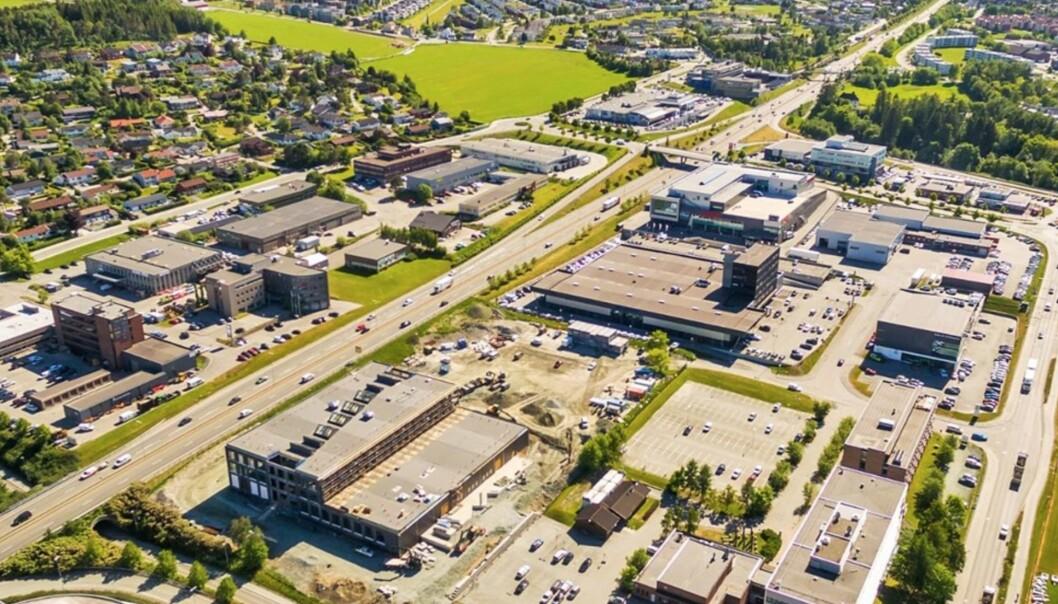 HER SKAL DET BYGGES BY: En arkitektkonkurranse skal skape grunnlag for en masterplan for eiendommene på Tungasletta i Trondheim. Samtidig har Trondheim Areal inngått et samarbeid med NTNU om en proptech-lab, hvor studentene får bruke hele eiendomsporteføljen i undervisningen.