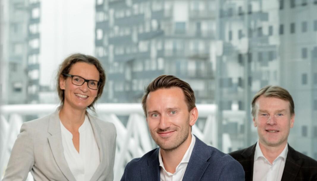 BYTTER JOBB: Birgitte Marie Formo (tv), Per Olav Dahl Hegge og Odd Arne Lian går til Bane NOR Eiendom.