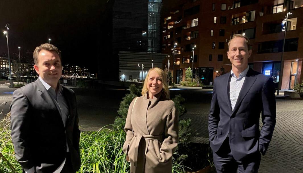 VEKST OG MANGFOLD: - Kommuneplanen legger til rette for fortsatt vekst og større mangfold i boligtilbudet, sier f.v. Stian Berger Røsland i Selmer, Maren Bjerkeng i Aspelin Ramm og Henrik Botten Taubøll i Wiersholm.