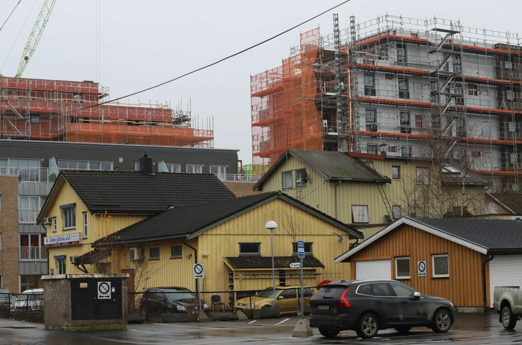 FORVANDLING: Hele dagens kvartal skal rives for å få plass til det nye boligprosjektet som blir ett av mange i byen.