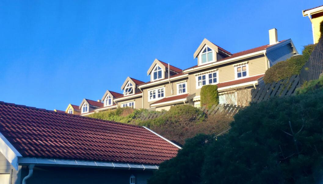 NEKTER Å BETALE: Sameiet vedtok maling av fasadene, men eier av en av seksjonene nekter å betale. Oslo byfogdembete slår nå fast at boligen skal tvangsselges.