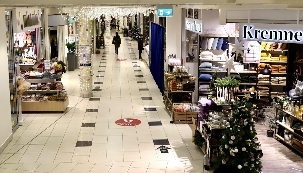 FÆRRE: Antallet mennesker i Oslos gater og sentere er svært mye lavere enn vanlig i disse dager.