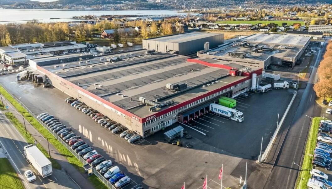 SOLGT: Industrigata 1 i Lier kommune.