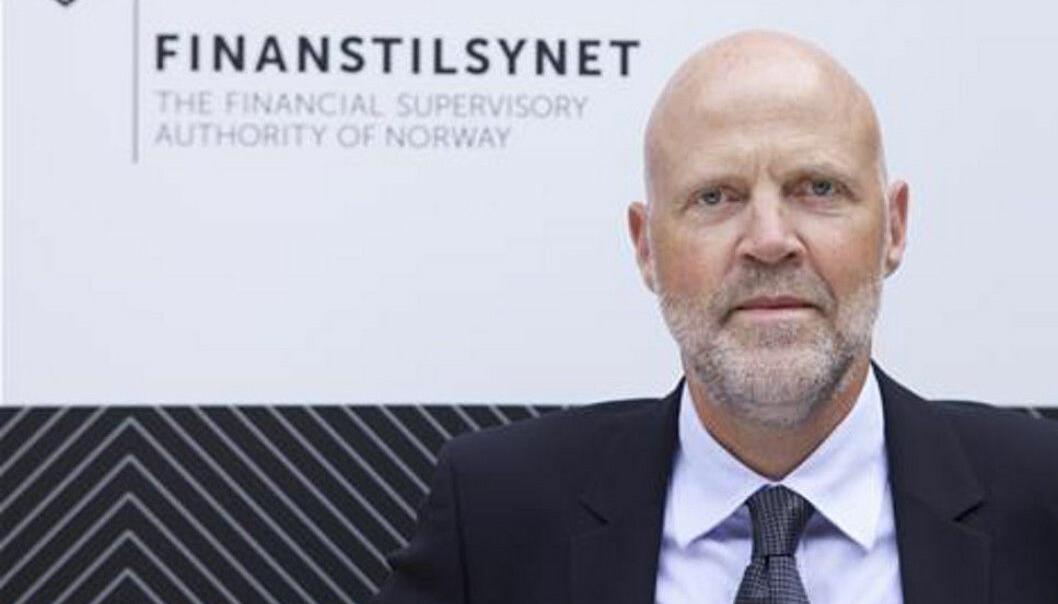 FÅR KRITIKK: Finanstilsynet gir 100.000 kroner i overtredelsgebyr til et eiendomsmeglerfirma etter det som karakteriseres som grove brudd på oppdragsgjennomføring og kontrollrutiner. På bildet finanstilsynsdirektør Morten Baltzersen.
