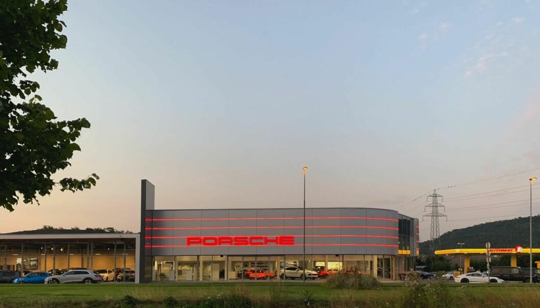PORSCHE: En av eiendommene er leid ut til Porsche Center Porsgrunn.