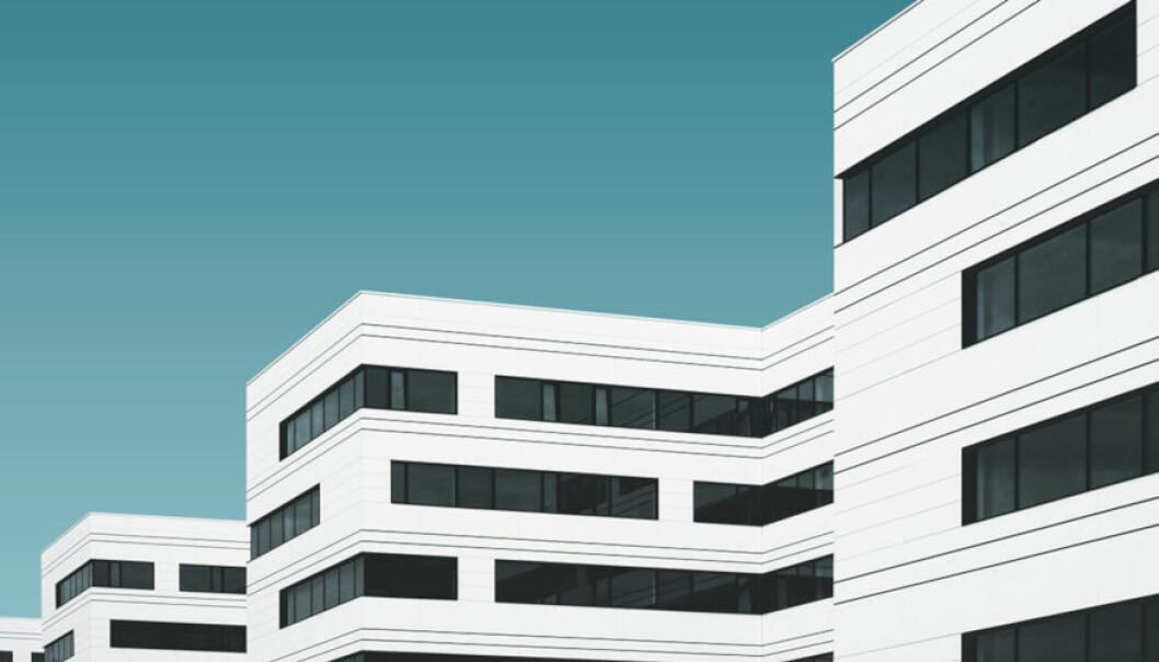 SENTRALT: Selgers garantier er blant de mest sentrale kontraktmekanismene for å klargjøre hva som vil utgjøre en mangel ved transaksjonsobjektet, skriver artikkelforfatterne.