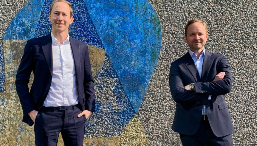 MÅ JOBBE ANNERLEDES: - Teknologien endrer måten man jobber på, påpeker advokatene Henrik Botten Taubøll (t.v.) og Stian Heimdal.