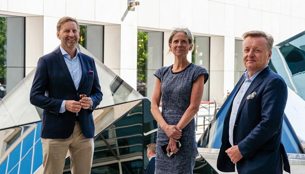 SAMARBEIDER: Styreleder Mathis Grimstad i Oslo Metropolitan Area har fått med seg DNB på Oslo Urban Week. DNB her representert med DNB Næringsmeglings adm. direktør Anne Helene Mortensen og leder for eiendomsseksjonen i DNB, Olav T. Løvstad.